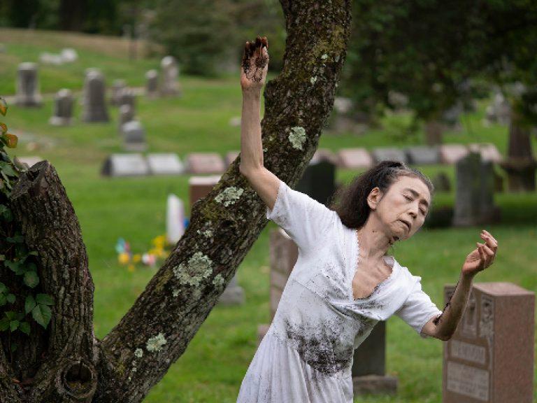 Eiko Otake graveyard performance